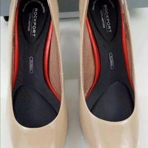 Rockport Women's Total Motion Pump Heels Size 8W